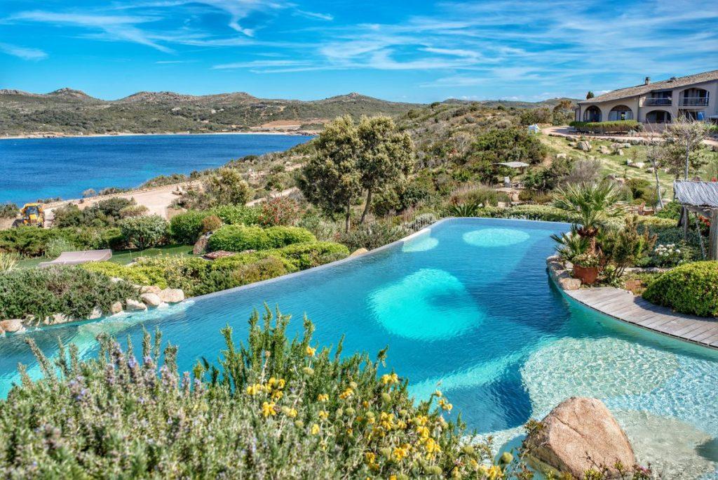 UcapuBiancu | Bonifacio | Corse | Piscine extérieure avec vue