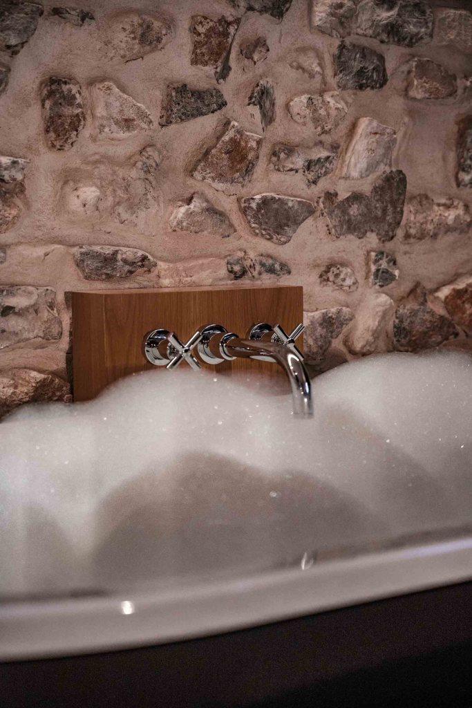 Moment détente en baignoire