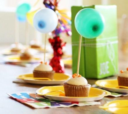 balloon-cupcaek-toppers