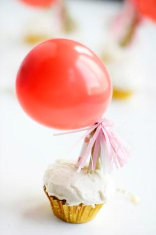 minijumboballooncupcaketoppers10