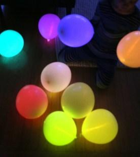 glow_stick_balloons_2