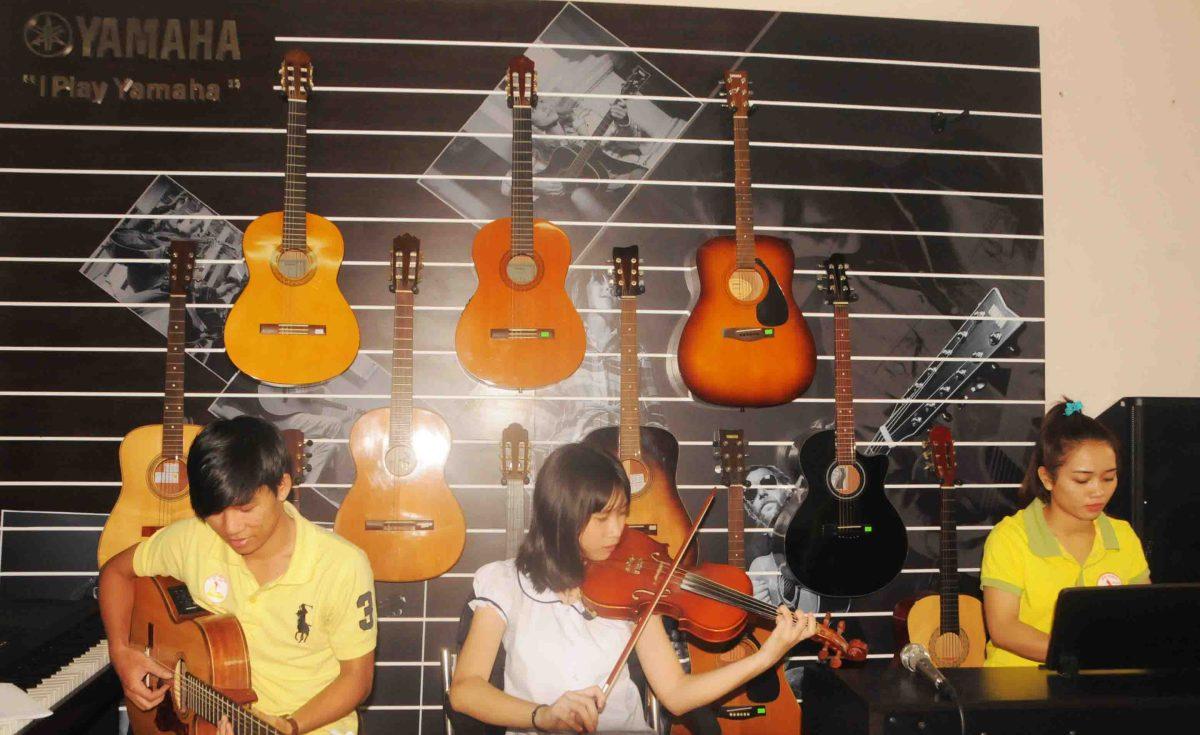 guitar hòa tấu