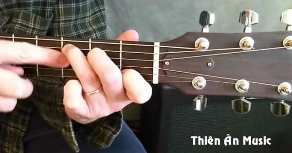 Học Chơi Guitar với kỹ thuật tốt ngay từ đầu 4