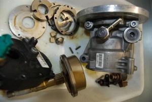 Pompe haute pression démontée