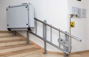 Access step lifts in building