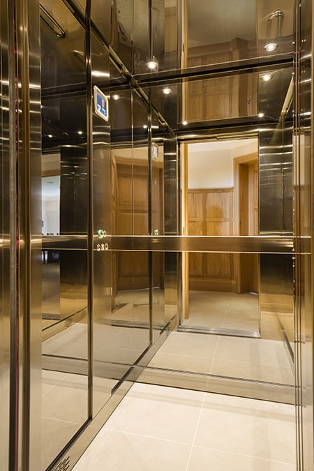 Oyster Mayfair Luxury Lift image