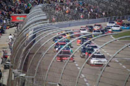 NASCAR restart at Texas Motor Speedway