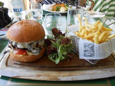 the-burger-le-pain-est