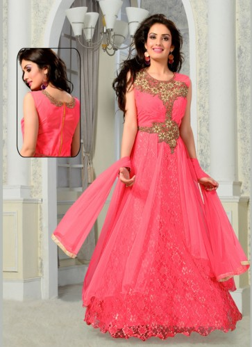 Your ultimate guide to Indian Ethnic Dresses for Parties