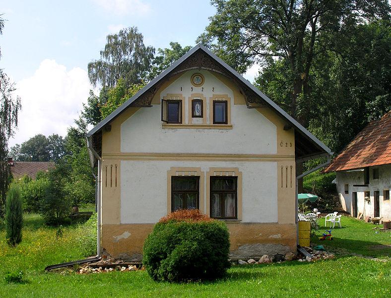 788px-Bohdaneč,_small_house