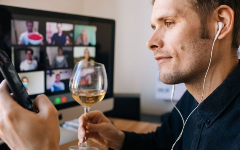 Tips for Throwing a Virtual New Year's Party