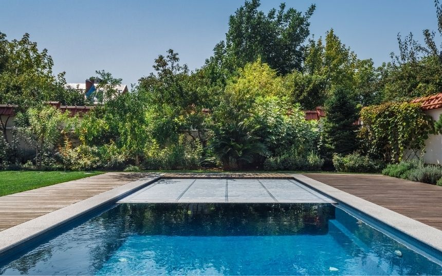 Tips for Closing Down Your Home Pool in the Fall