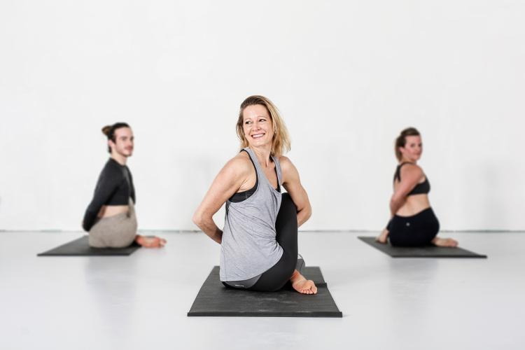 hot yoga geneva