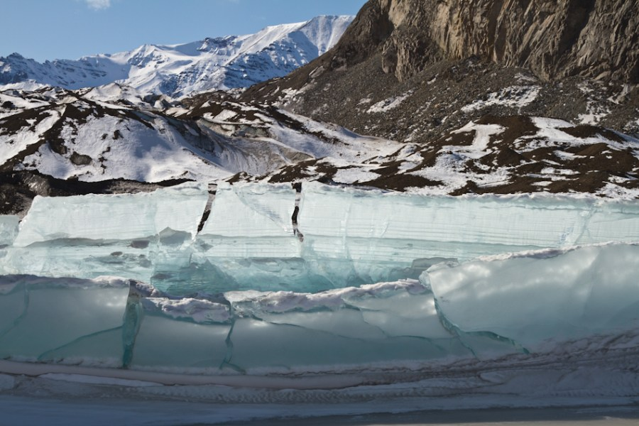 Nebesna Glacier