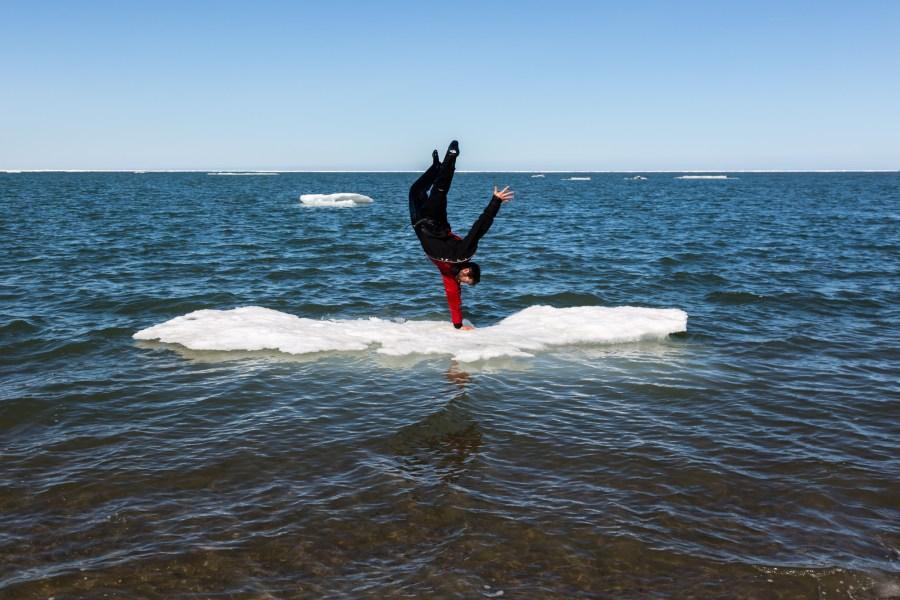 luc mehl iceberg handstand