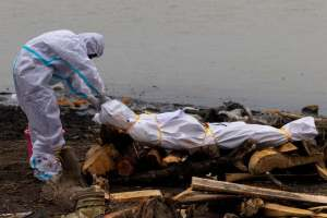 India Covid19 : Bodies Of COVID-19 Victims Have Been Found Dumped In Some Indian Rivers