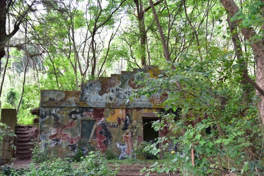金門某廢棄軍營帶著一種恐佈感