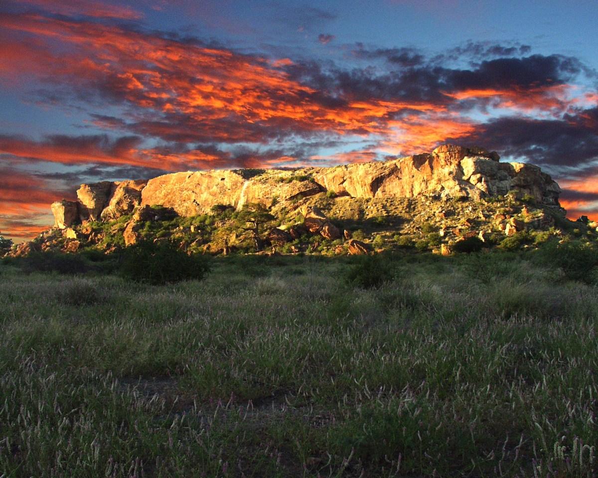 Mapungubwe_hill_limpopo_large_wikimedia