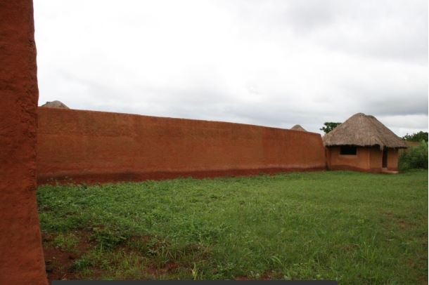 dahomey - walls of palace of king Houegbadja 1640-1685