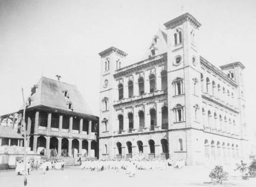 merina - Manjakamiadana_-_Rova_of_Antananarivo_-_Queen_s_Palace