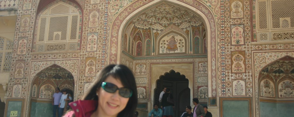 India Golden Triangle 1 : Jaipur is a city full of peeping windows!