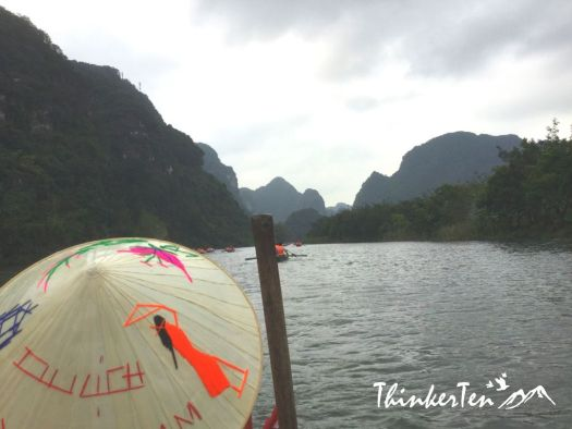 Vietnam : A Fun Day Cycling & Boat Ride Through Trang An Grottoes!