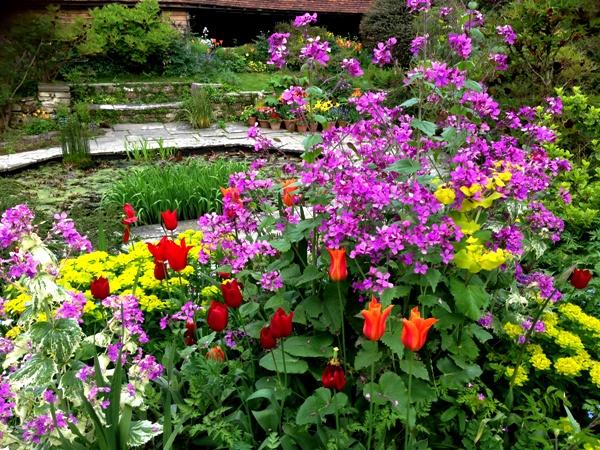 Dixter sunken garden