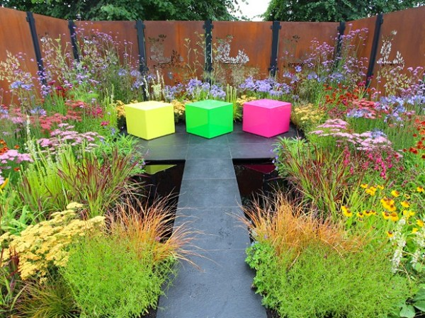 Colourbox Garden by Charlie Bloom and Simon Webster at Hampton Court Flower Show