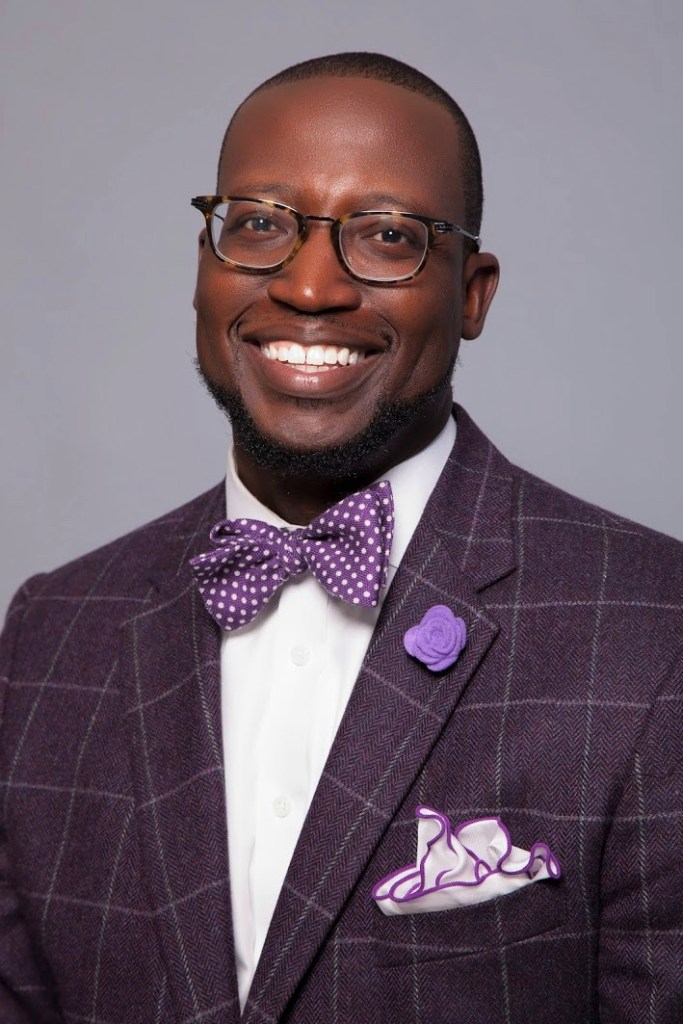 The Bowtie Comedian Mike Goodwin fatherhood, marriage, money and more.