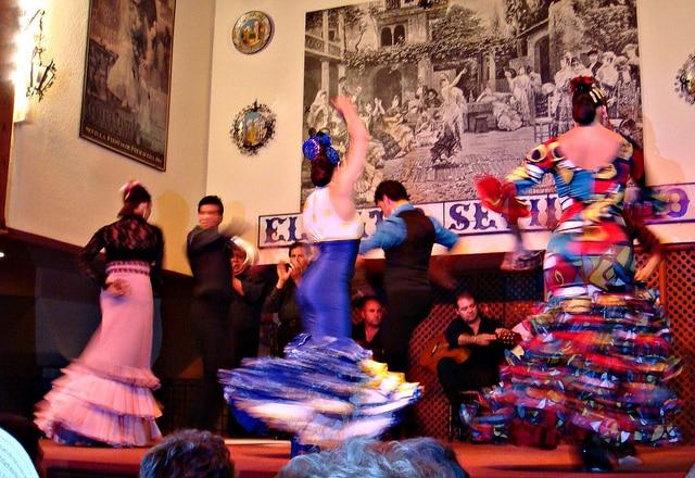 Flamenco performers (photo by CameliaTWU)