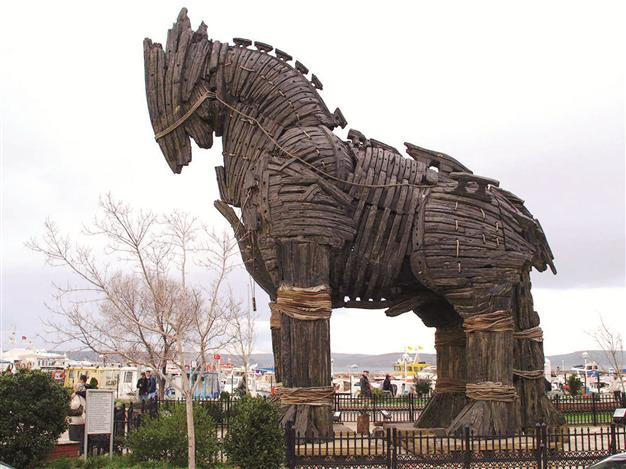 "horse sculpture used in Brad Pitt's historical blockbuster ""Troy"" was brought to the northwestern province of Çanakkale, the number of tourists visiting the site increased by 73 percent."