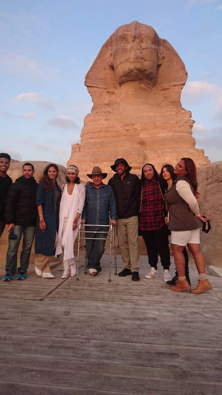Will Smith and his family with Hawass before The Sphinx. Photo courtesy of Hawass