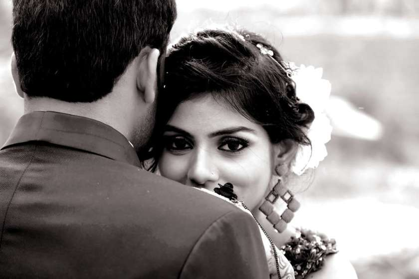 affection black and white blurred background 936554_result