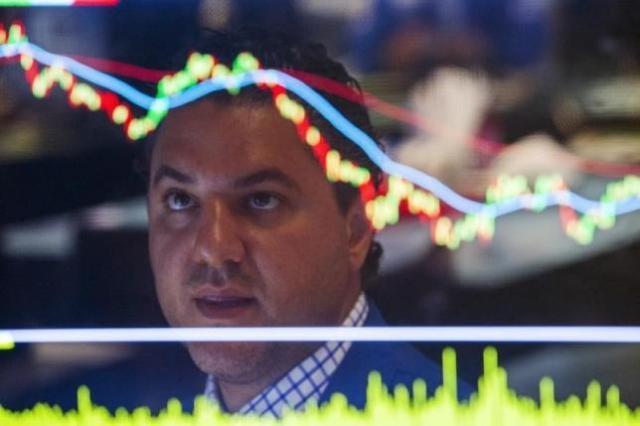 アングル:米株の乱高下、ボラティリティ低下戦略が拍車か