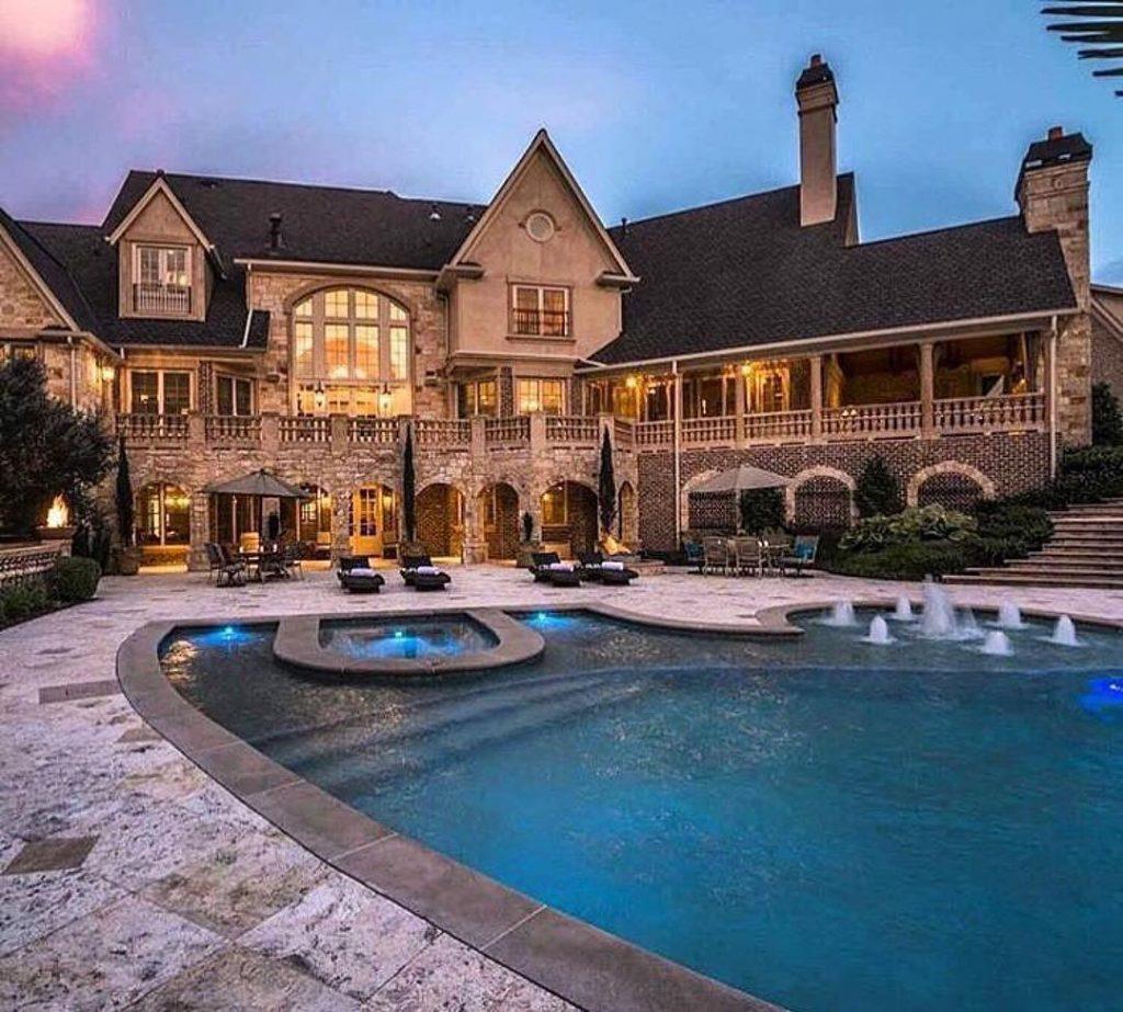 LuxuryLifestyle BillionaireLifesyle Millionaire Rich Motivation WORK Extravagance 27