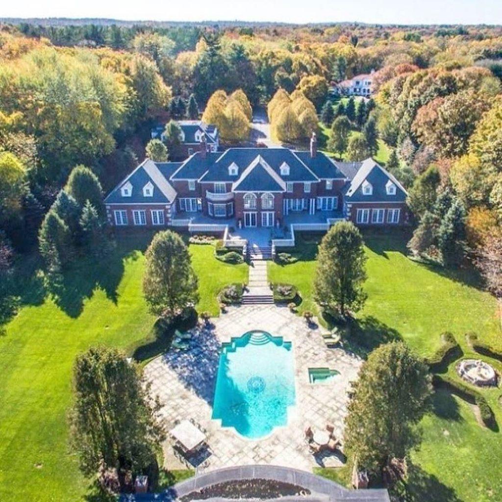 LuxuryLifestyle BillionaireLifesyle Millionaire Rich Motivation WORK Extravagance 64