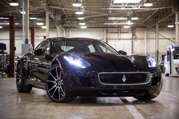 VLF Desinto V8 exterior front quarter
