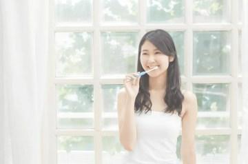 Healthy morning routine brushing teeth.