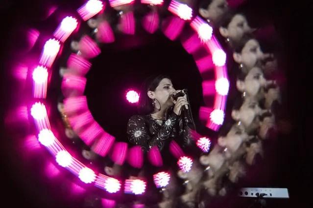 Ariana and the Rose Julian Ramirez DSC_0294