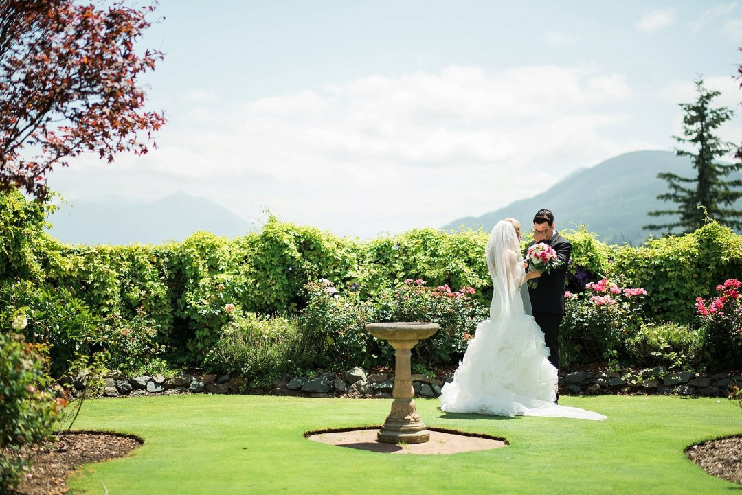 Christine & Josh Seattle Washington Snoqualmie Ridge Country Club Wedding_0021