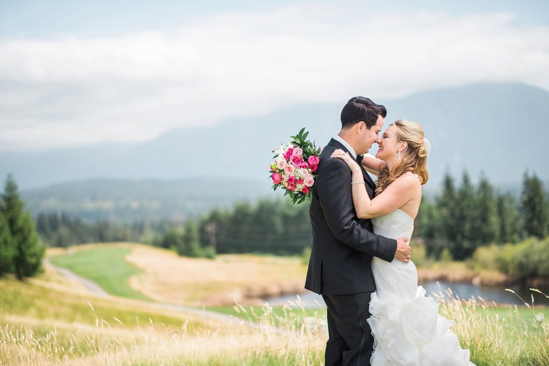 Christine & Josh Seattle Washington Snoqualmie Ridge Country Club Wedding_0026