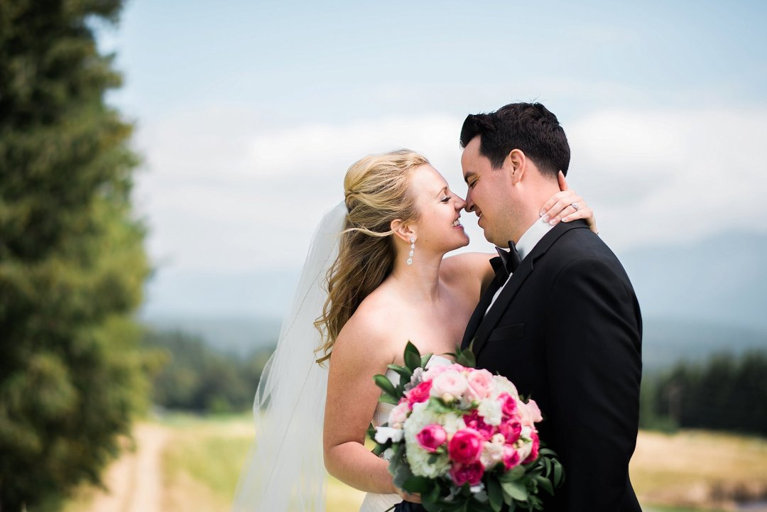 Christine & Josh Seattle Washington Snoqualmie Ridge Country Club Wedding_0027