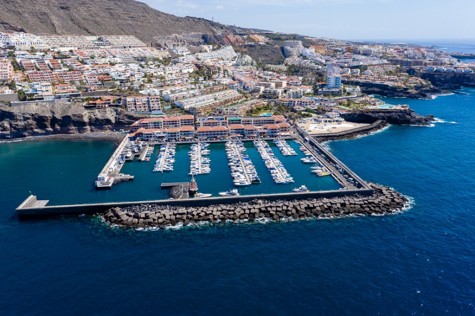 Puerto Deportivo de Los Gigantes