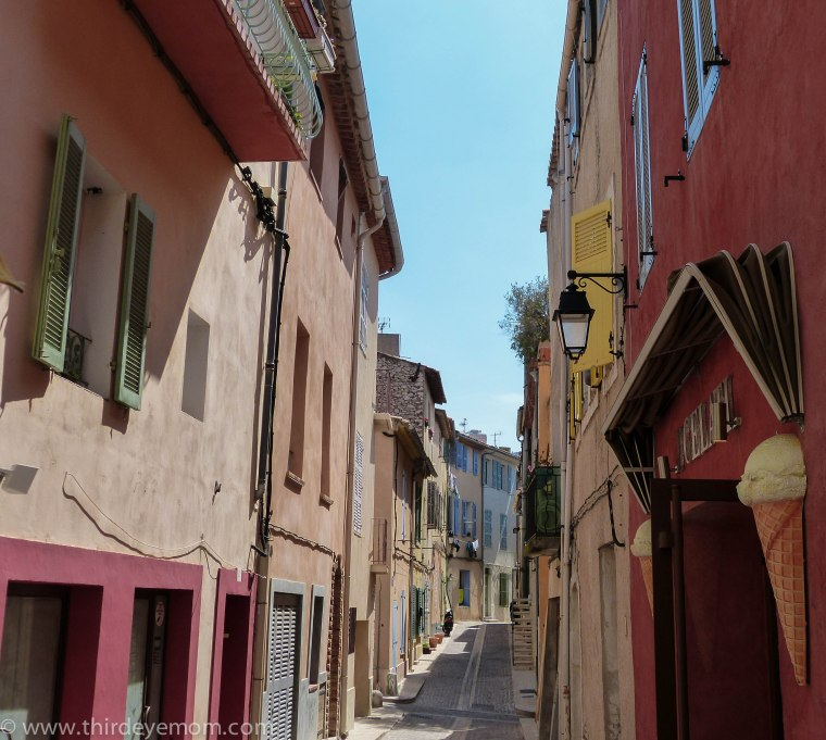 Storefronts in Cassis