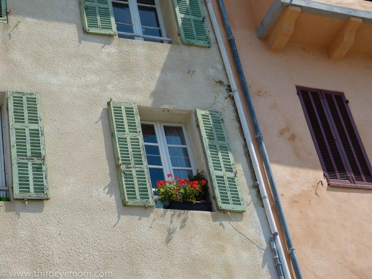 Windows of Cassis