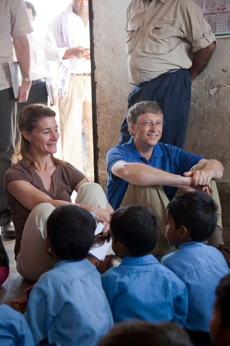 INDIA / Bihar / Jamsaut village / 23 March 2011 Bill and Melinda Gates with children at an Anganwadi centre in Jamsaut village near Patna. Photo Credit: Gate Foundation