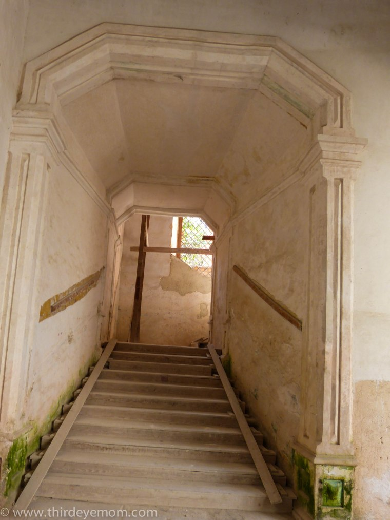 staircase cuban architecture