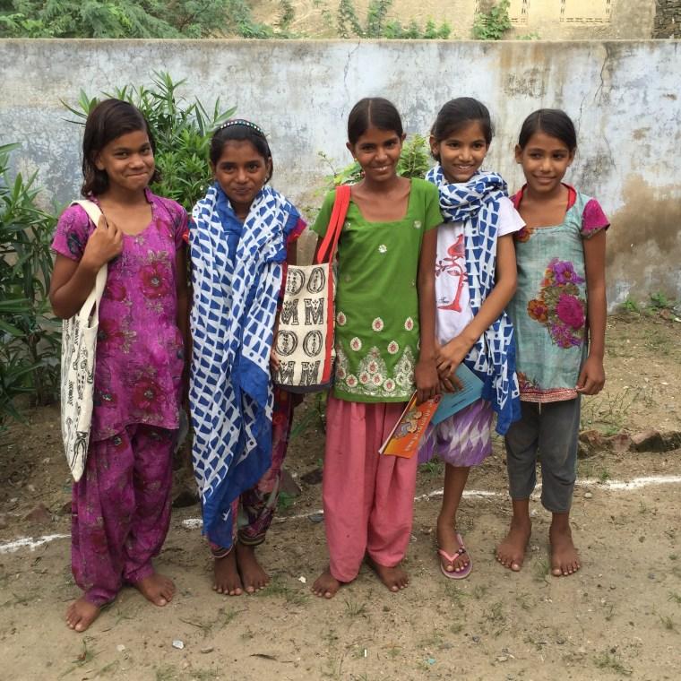 India Girls Education DD Doosra Dashak Pisangan Scarf Bag Onikas
