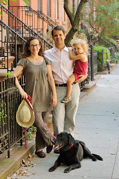 Lani Bevacqua, Paul Bennett and one of their children, Jade.