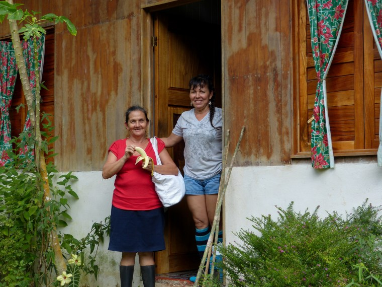 Xiña and her sister who lives in Puerto Jimenez and will be our cook for the next day.